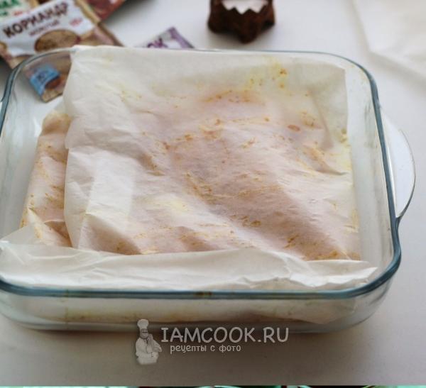 Накрыть картофель бумагой для выпечки