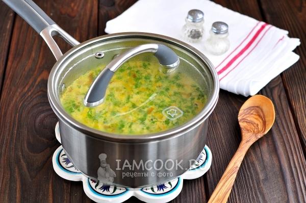 Фото сливочного супа с грибами и плавленным сыром
