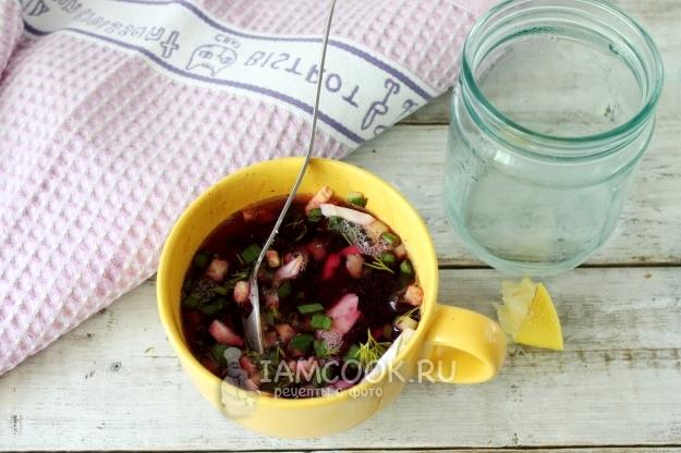 Влить воду с соком лимона