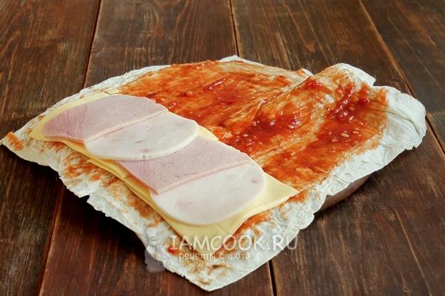 Рецепты начинок для лаваша с ветчиной и сыром