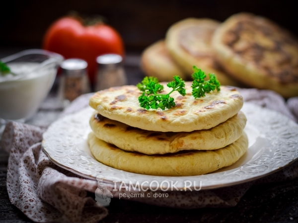 Лепёшки с адыгейским сыром на сковороде — рецепт с фото пошагово