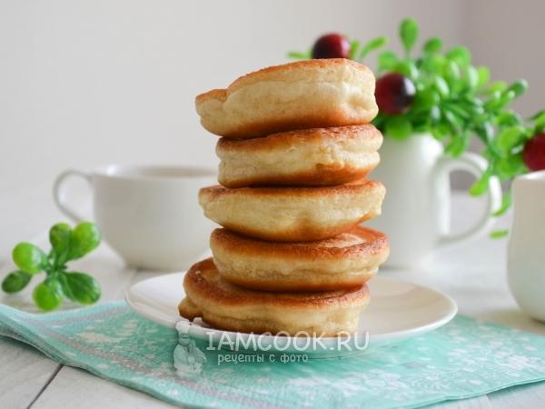 Пышные оладьи на кефире и дрожжах — рецепт с фото пошагово