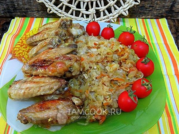 Ленивый ужин из капусты и куриных крыльев — рецепт с фото пошагово
