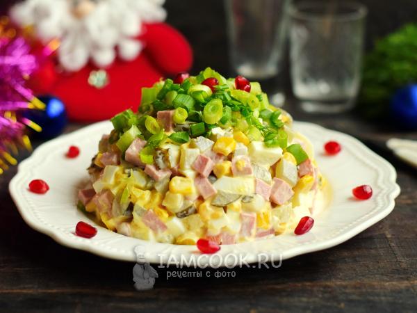 Салат с кукурузой и солеными огурцами — рецепт с фото пошагово