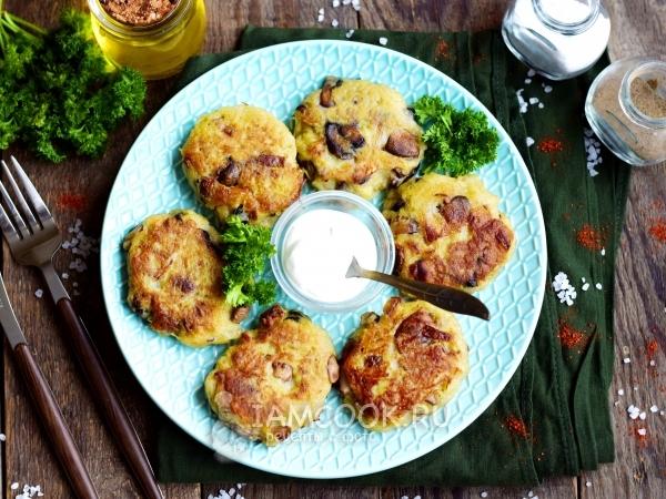 Картофельные драники с шампиньонами — рецепт с фото пошагово