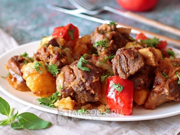 Баранина с картофелем, луком и перцем в казане — рецепт с фото пошагово