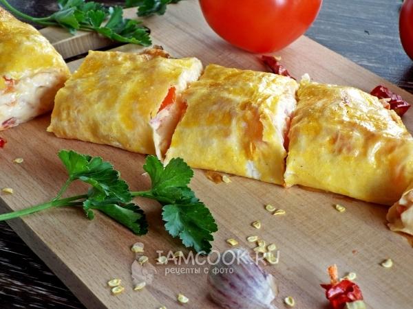 Запеченный рулет из лаваша с сыром и помидорами — рецепт с фото пошагово