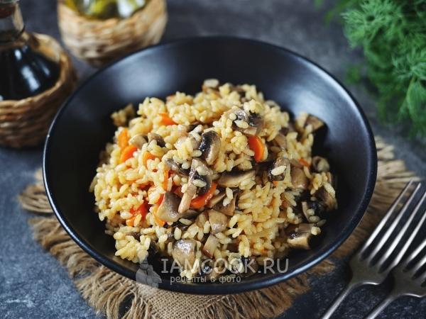 Рис с грибами в сковороде — рецепт с фото пошагово