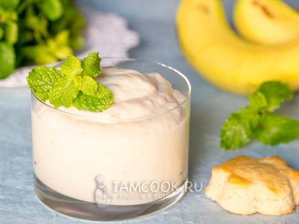 Банановый крем со сгущенкой и сметаной — рецепт с фото пошагово