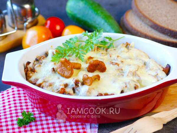Картофельная запеканка с лисичками в духовке — рецепт с фото пошагово