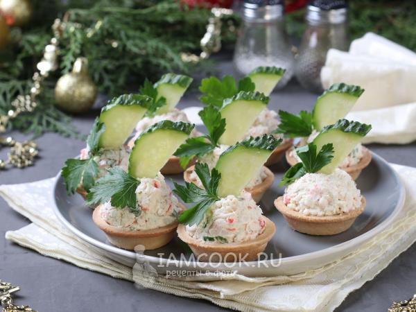 Тарталетки с крабовыми палочками и творожным сыром — рецепт с фото пошагово