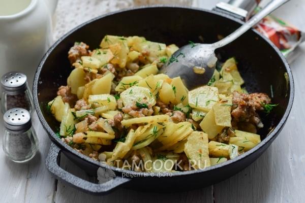 Рецепт жареной картошки с фаршем на сковороде