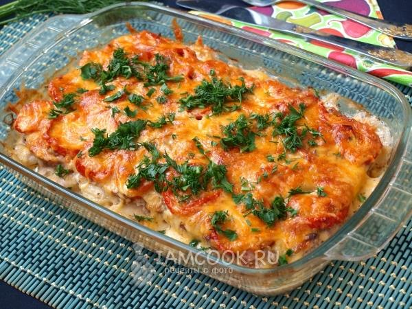 Фото картошки с фаршем и помидорами в духовке