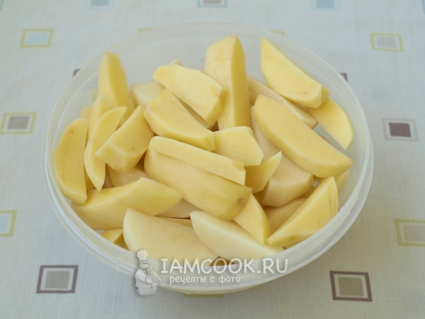 Нарезали картошку