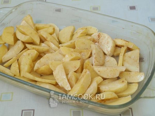Выложили картошку в форму