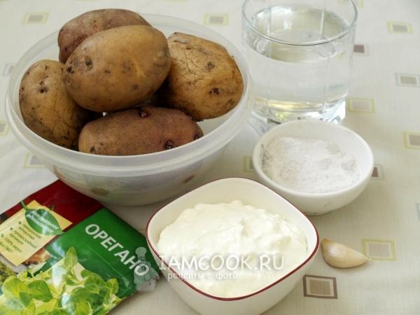Ингредиенты для тушеной картошки в сметане