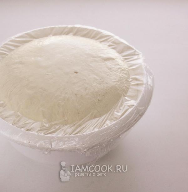 Накрыть тесто пленкой