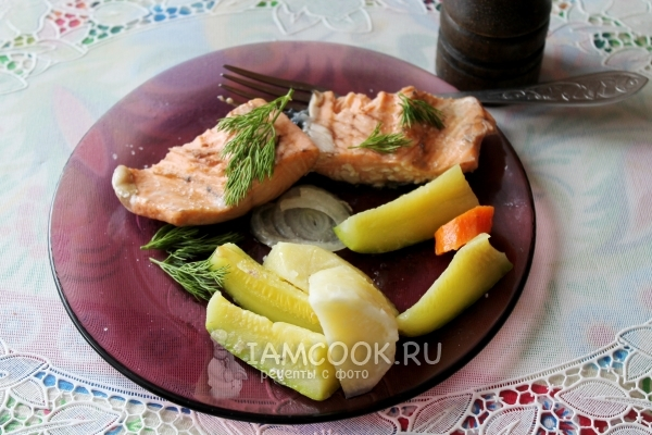 Рецепт семги на пару с овощами