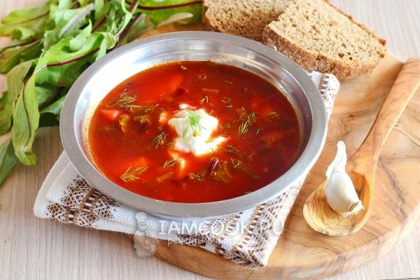 Фото супа со свекольной ботвой