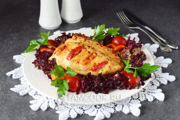 Фото куриной грудки с болгарским перцем, запеченной в духовке