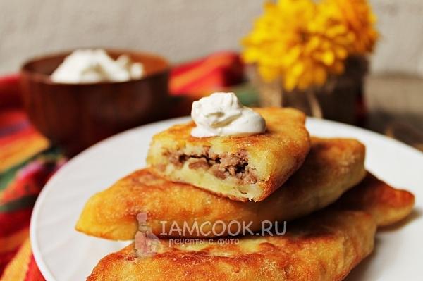 Фото жареных картофельных пирожков с мясо