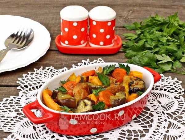 Фото тушеного мяса с баклажанами и овощами