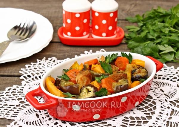Рецепт тушеного мяса с баклажанами и овощами