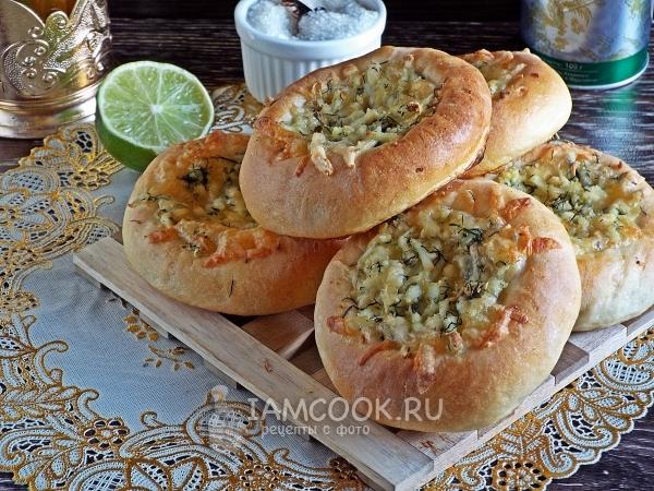 Рецепт ватрушки с сыром и яйцом