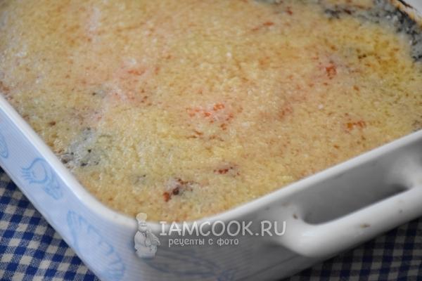Готовая запеканка с овощами, сыром и фаршем из индейки