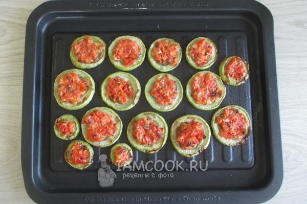 Фото кабачков с помидорами и чесноком в духовке