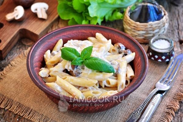 Фото макарон с грибами в сметанном соусе