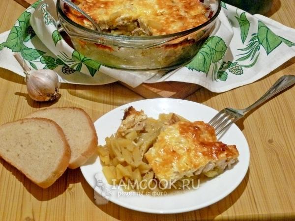 Фото картошки с курицей и сыром в духовке