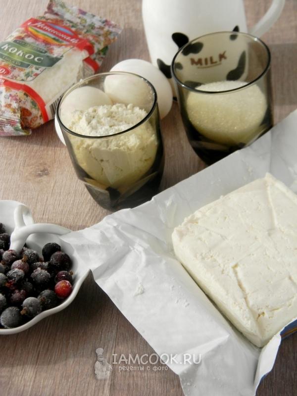 Ингредиенты для творожно-кокосовой запеканки с ягодами