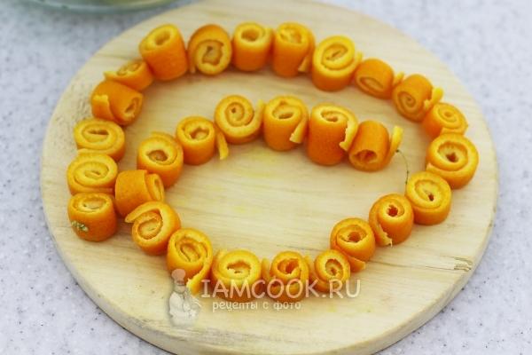 Корки апельсиновые завитушками