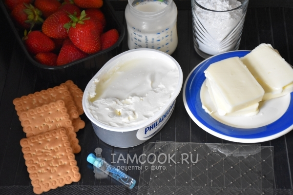 Ингредиенты для чизкейка с клубничным соусом