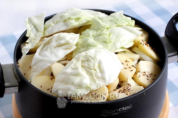 Добавить картошку и капусту