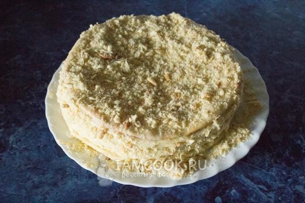 Посыпать торт крошкой