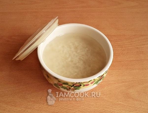 Залить рис кипятком