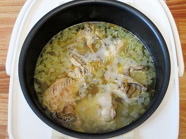 Готовим суп из цыпленка в мультиварке