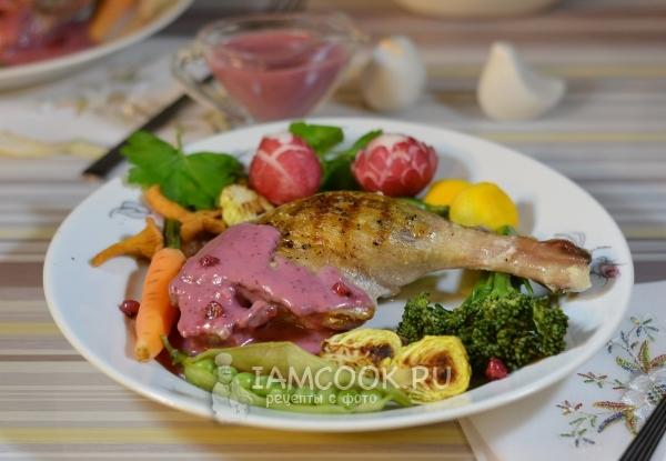 Фото утки с брусничным соусом