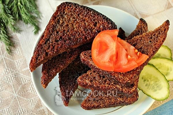черный хлеб жаренный с чесноком