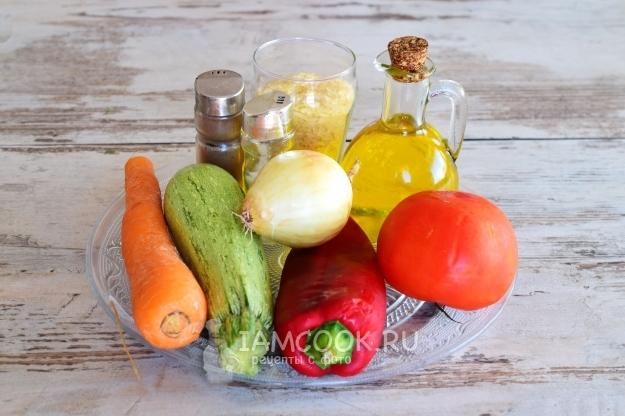 Ингредиенты для тушеных кабачков с рисом и овощами