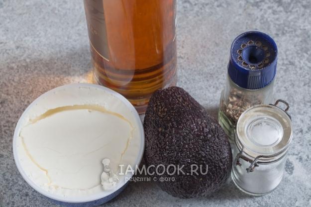 Ингредиенты для соуса-дипа из авокадо с сыром