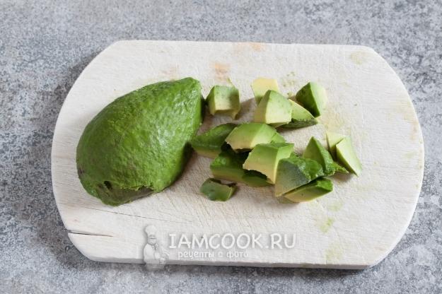 Почистить авокадо