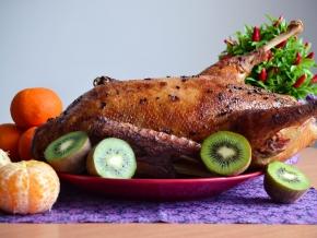 Мясо свинины по французски с помидорами