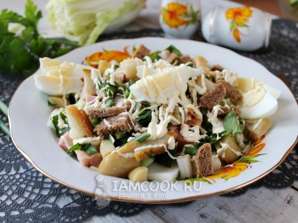 Цезарь с копченой курицей и маринованными грибами — рецепт с фото пошагово