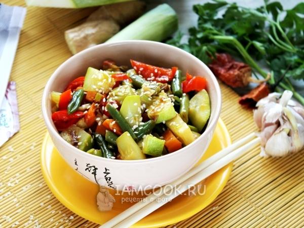 Овощи в соевом соусе на сковороде — рецепт с фото пошагово