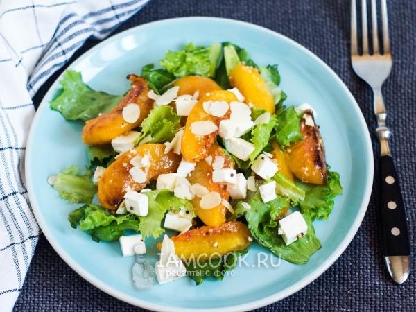 Салат с персиками и сыром — рецепт с фото пошагово