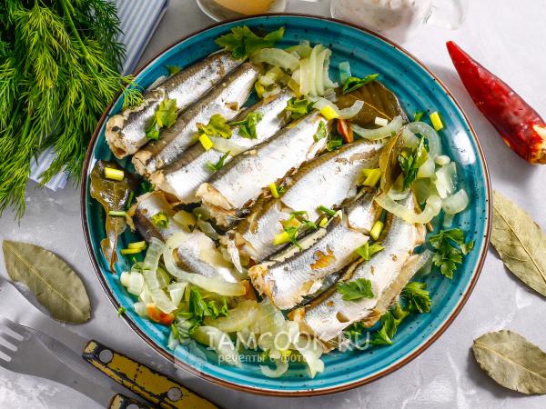 Тушеная салака — рецепт с фото пошагово