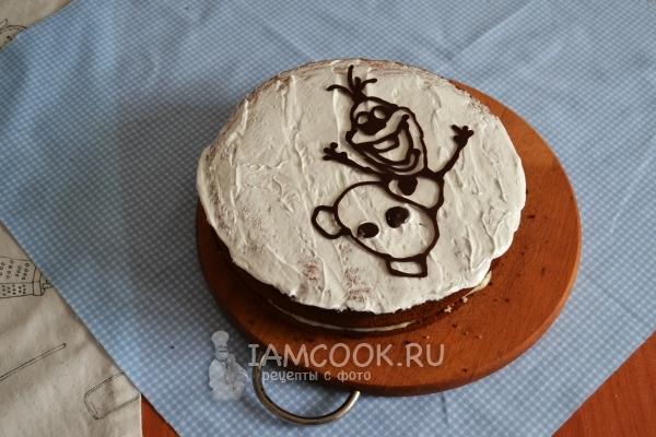 Положить на торт шоколадный рисунок